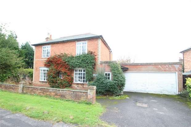3 Bedrooms Detached House for sale in Laburnham Cottage, Berry Lane, Worplesdon, GUILDFORD, Surrey