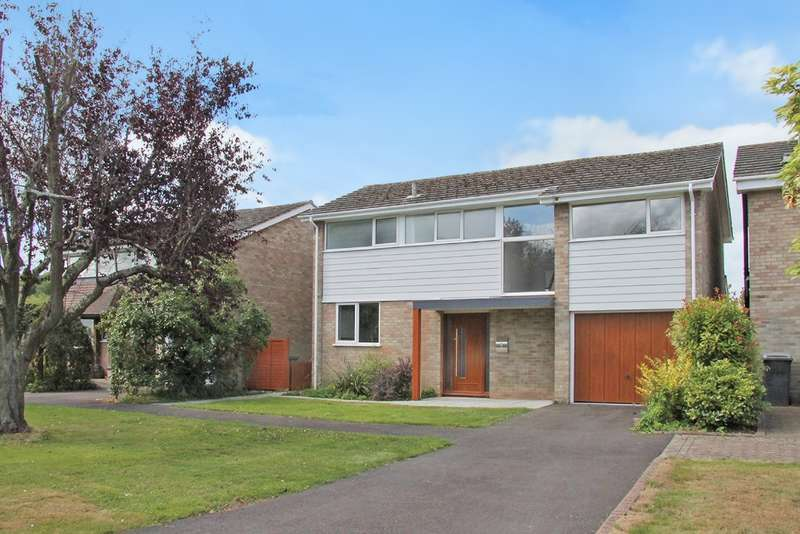 4 Bedrooms Detached House for sale in Wickham, Fareham