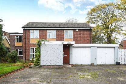 4 Bedrooms Detached House for sale in Shortlands Road, Bromley