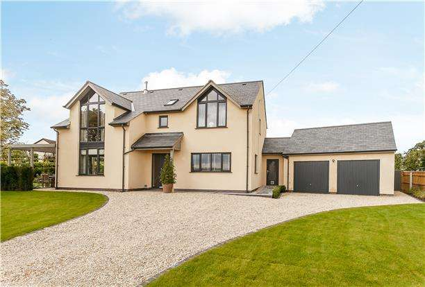 4 Bedrooms Detached House for sale in Fairview House, Chapel Lane, Churcham, Gloucestershire, GL2 8AR
