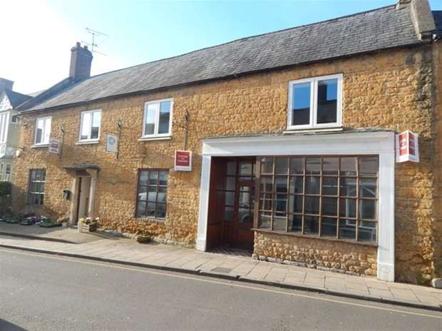 2 Bedrooms Flat for sale in Fore Street, Castle Cary