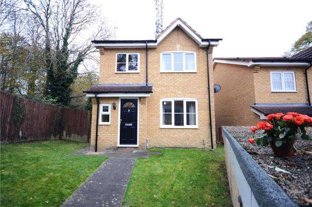 3 Bedrooms Detached House for sale in Morlais, Emmer Green, Reading