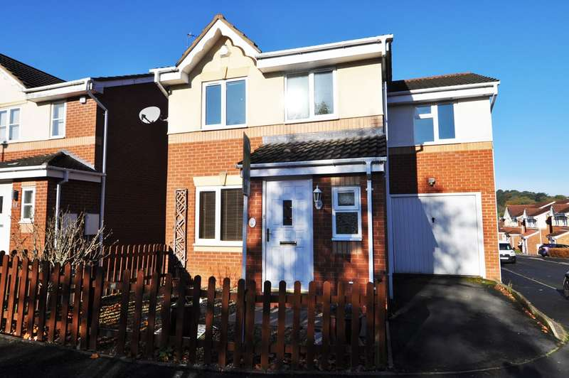 4 Bedrooms Detached House for rent in Little Meadow Croft, Northfield, Birmingham, B31