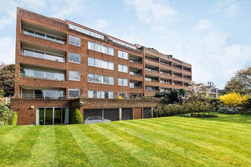 2 Bedrooms Flat for sale in Arundale, Anglesea Road, Kingston upon Thames KT1