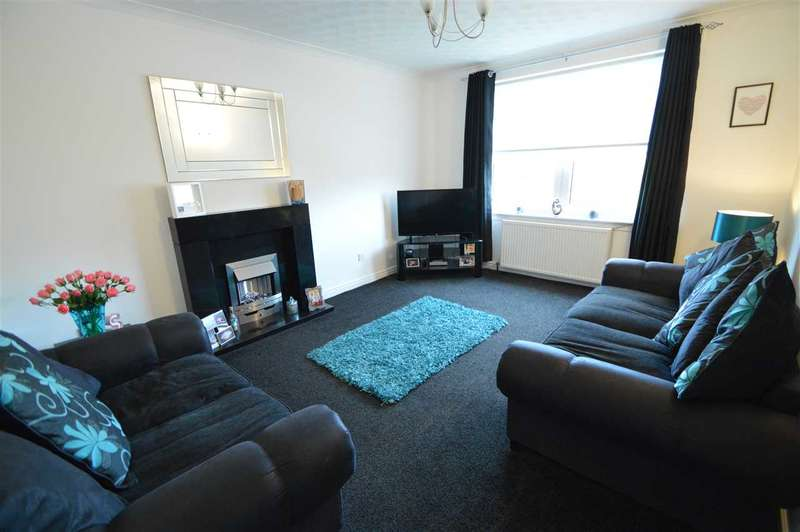 2 Bedrooms Apartment Flat for sale in Muirhouse Avenue, Newmains, Newmains