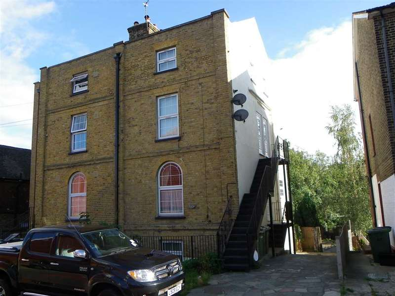 1 Bedroom Apartment Flat for sale in Knockhall Road, greenhithe