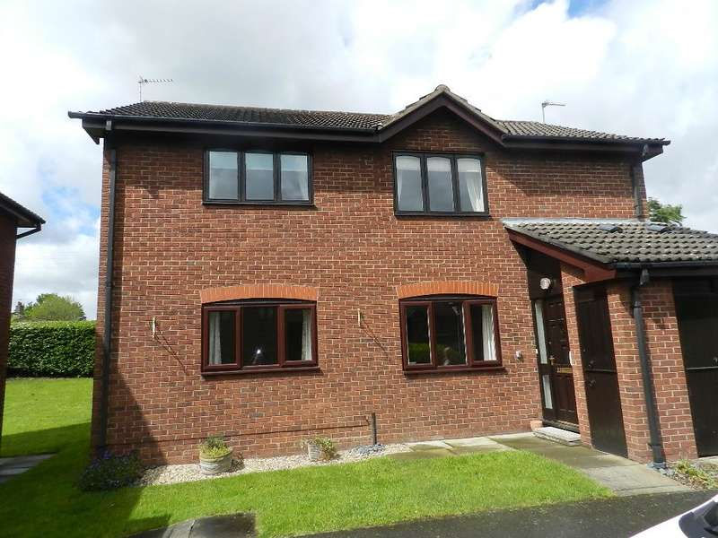 2 Bedrooms Flat for sale in Chatburn Court, Culcheth, Warrington, WA3 5RB