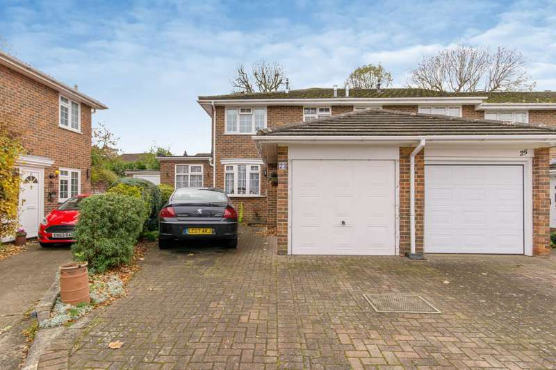 3 Bedrooms End Of Terrace House for sale in Bawtree Close, Carshalton Beeches, SM2