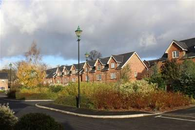3 Bedrooms Town House for rent in Hartley Hall Gardens, Whalley Range
