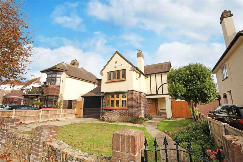 3 Bedrooms Detached House for sale in Lancaster Gardens East, Clacton-On-Sea