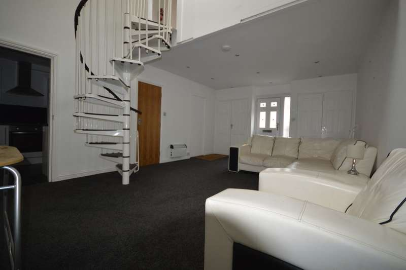2 Bedrooms Property for sale in Saunders Street, Gillingham, ME7