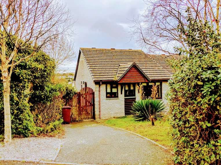 2 Bedrooms Semi Detached Bungalow for sale in Gwarth An Dre, Phillack, Hayle