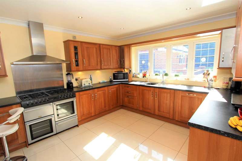 5 Bedrooms Detached House for sale in Telegraph Hill, Higham