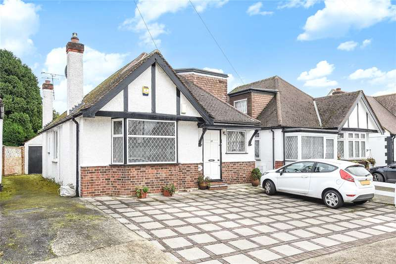 2 Bedrooms Detached Bungalow for sale in Keswick Gardens, Ruislip, Middlesex, HA4