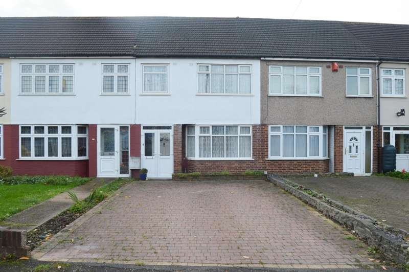 3 Bedrooms Terraced House for sale in Southend Arterial Road, Romford