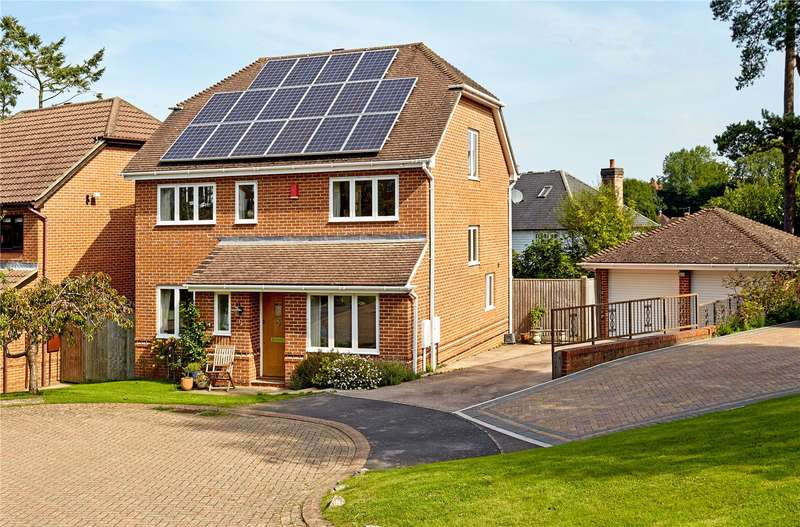 5 Bedrooms Detached House for sale in Ward Close, Wadhurst, East Sussex, TN5