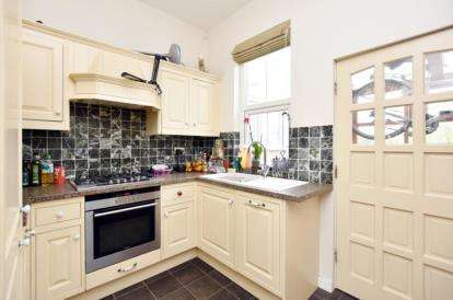 3 Bedrooms Terraced House for sale in Duncombe Street, Sheffield, South Yorkshire