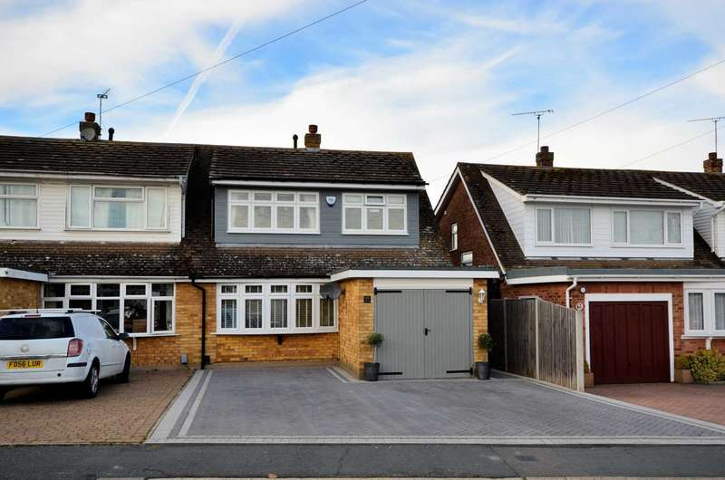 3 Bedrooms Semi Detached House for sale in Ulting Way, Wickford