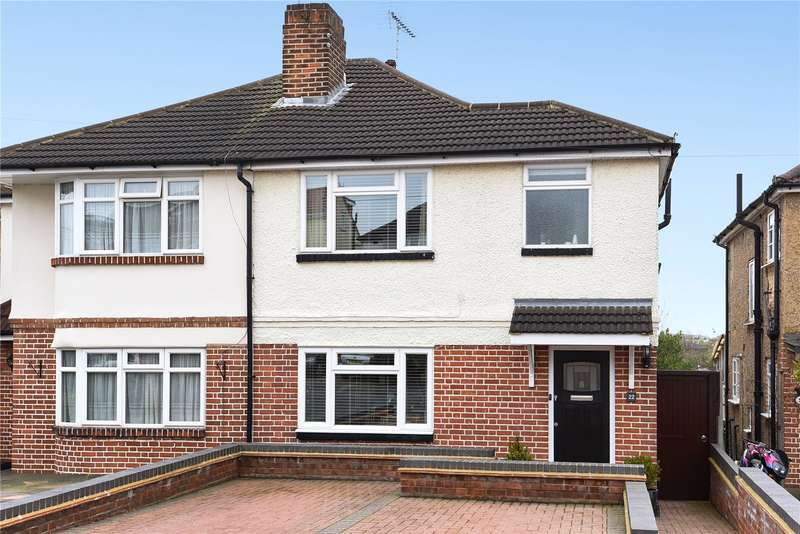 3 Bedrooms Semi Detached House for sale in Oakleigh Drive, Croxley Green, Rickmansworth, Hertfordshire, WD3