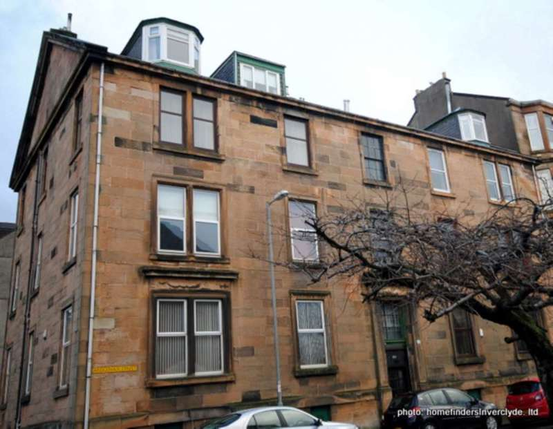 3 Bedrooms Flat for sale in Ardgowan St, Greenock PRICE REDUCTION !!
