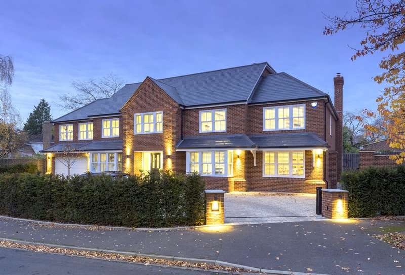6 Bedrooms Detached House for sale in Cobham