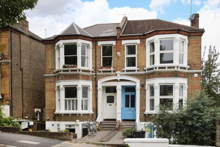 2 Bedrooms Flat for sale in Jerningham Road London SE14