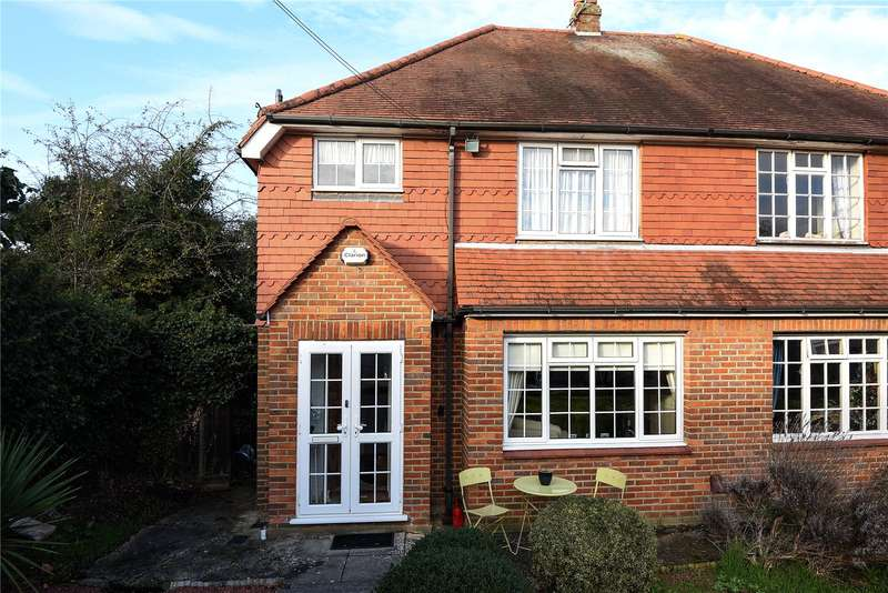 3 Bedrooms Semi Detached House for sale in Berwick Close, Stanmore, Middlesex, HA7