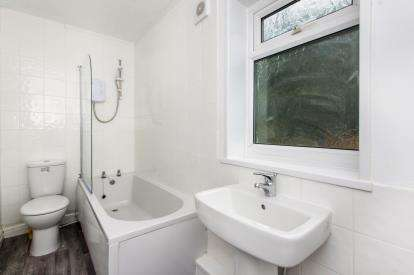 4 Bedrooms Semi Detached House for sale in Sherwood Avenue, Blidworth, Mansfield, Nottinghamshire