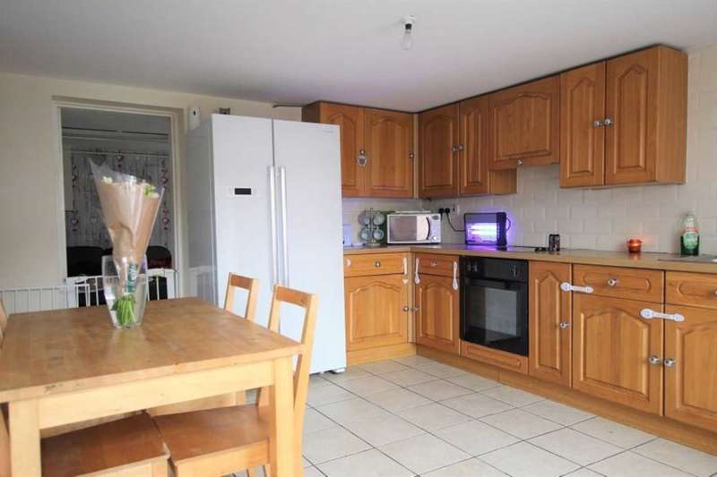 2 Bedrooms End Of Terrace House for sale in New Dock Road, Llanelli
