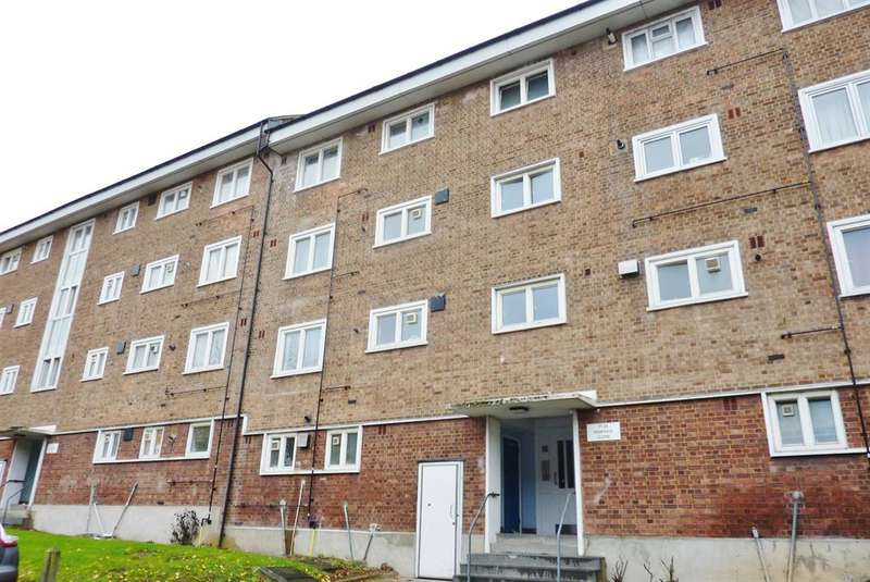 1 Bedroom Flat for sale in Dianthus Close, Abbey Wood, London, SE2 0UX