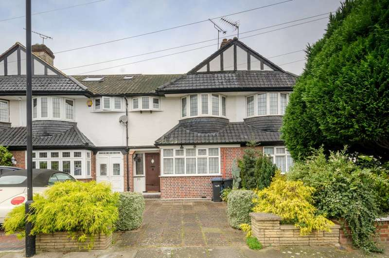 3 Bedrooms House for sale in Harrow Avenue, Bush Hill Park, EN1