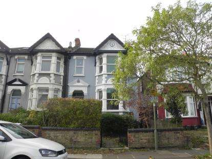 4 Bedrooms Semi Detached House for sale in Grove Road, London
