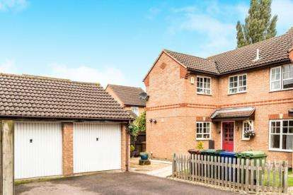 3 Bedrooms Semi Detached House for sale in Brunswick Place, Banbury, Oxfordshire