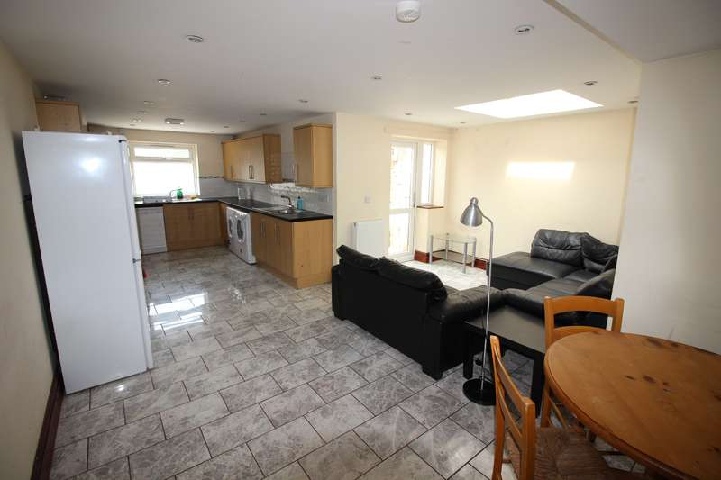 8 Bedrooms House for rent in Cathays Terrace, Cathays, Cardiff