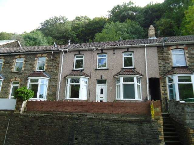 3 Bedrooms Terraced House for sale in Commercial Road, Abercarn, NEWPORT, NP11