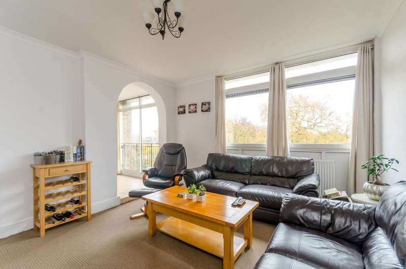 2 Bedrooms Flat for sale in Tilford Gardens, Wimbledon, SW19