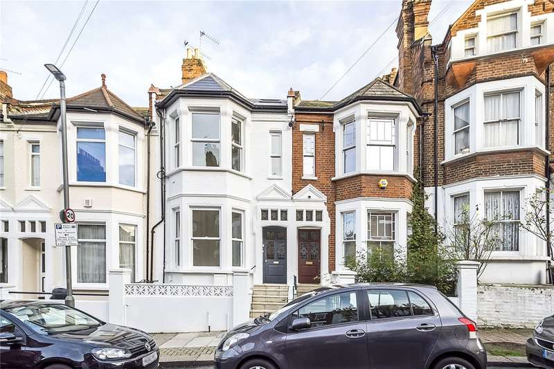 3 Bedrooms Flat for sale in Garfield Road, London, SW11