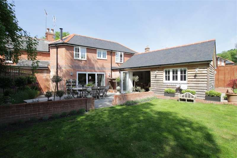 4 Bedrooms Semi Detached House for sale in Bridle Road, Whitchurch Hill, Reading, RG8