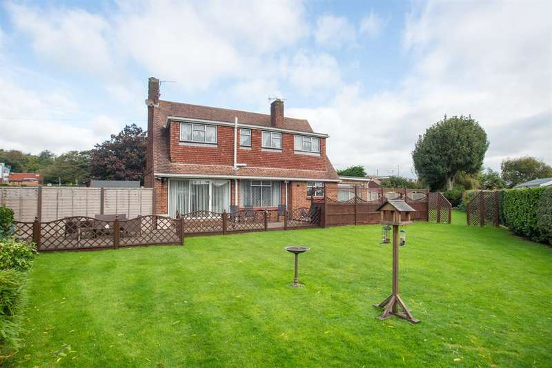 3 Bedrooms Detached House for sale in Old Shoreham Road, Lancing, West Sussex, BN15 0QZ