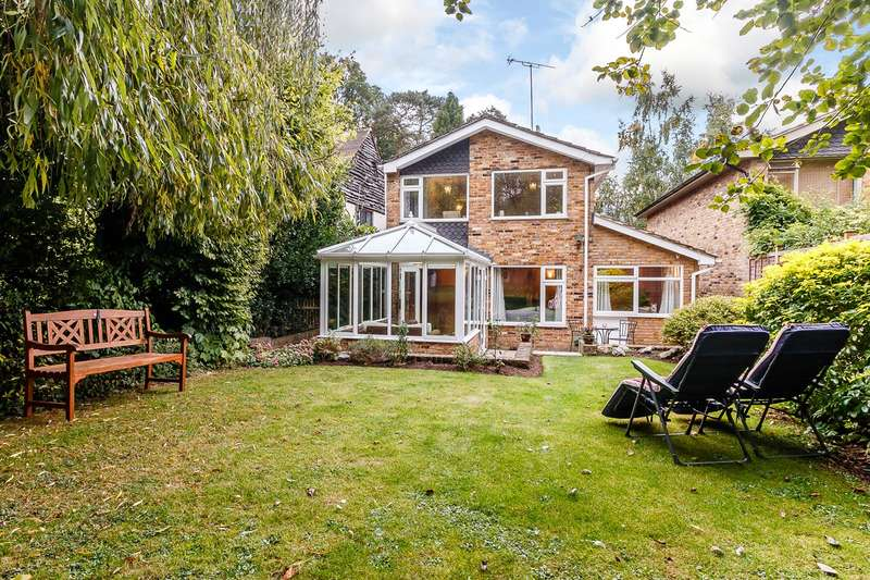 3 Bedrooms Link Detached House for sale in Grange Fields, Chalfont St Peter, Gerrards Cross, SL9