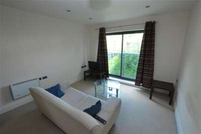 2 Bedrooms Flat for rent in Hall View, Chatsworth Road, Brampton, S40
