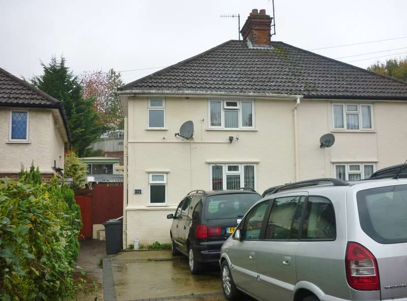 3 Bedrooms Semi Detached House for sale in Bowerdean Road, High Wycombe, Buckinghamshire, HP13