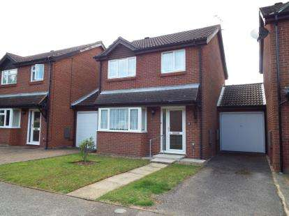 3 Bedrooms Detached House for sale in Moreton Hall, Bury St Edmunds, Suffolk