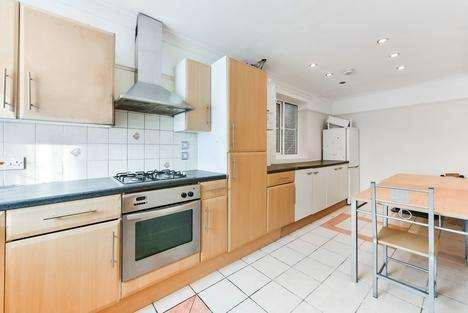 4 Bedrooms Semi Detached House for rent in Barforth Road, London SE15
