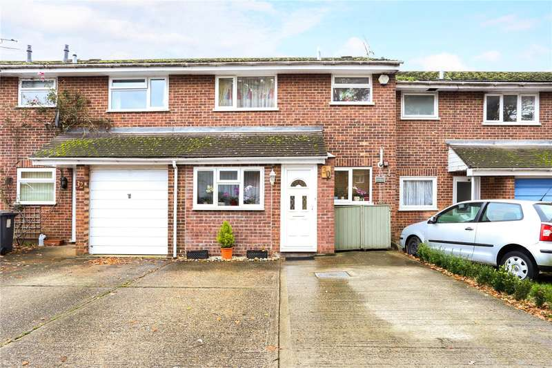 3 Bedrooms Terraced House for sale in Alma Road, Bordon, Hampshire, GU35