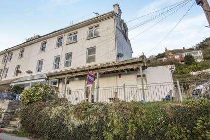 3 Bedrooms Maisonette Flat for sale in Downderry, Torpoint, Cornwall