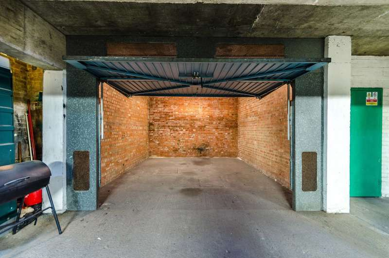 Garages Garage / Parking for sale in Garage, Vanbrugh Court, Kennington, SE11