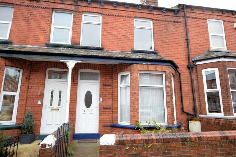 2 Bedrooms Town House for sale in Beechville Avenue, Scarborough, North Yorkshire YO12 7NG