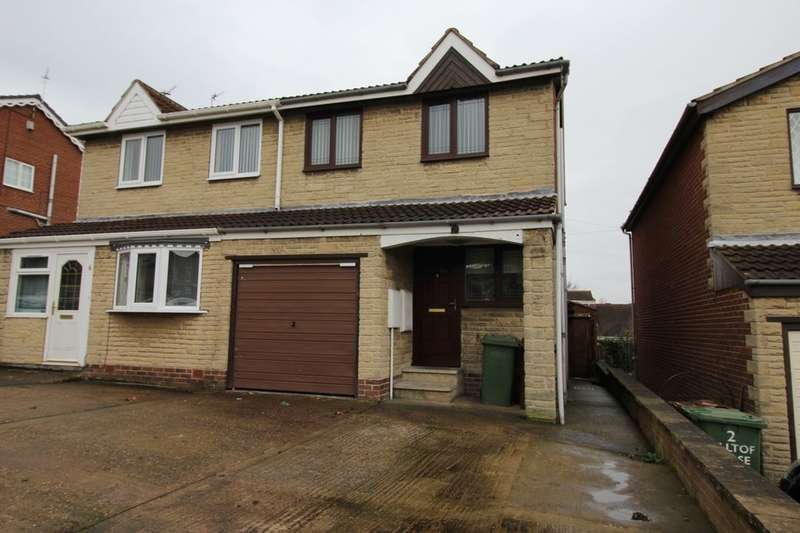3 Bedrooms Semi Detached House for rent in Hill Top Close, Fitzwilliam, Pontefract, WF9