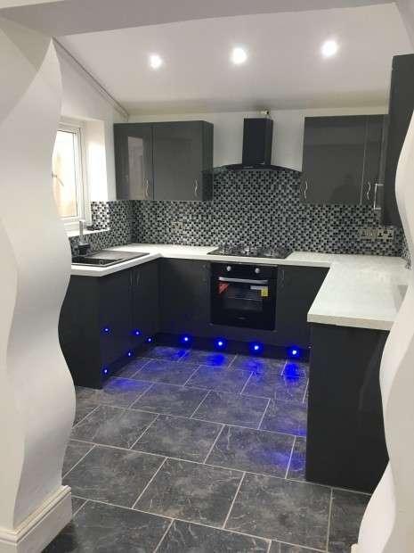 3 Bedrooms Terraced House for sale in Fletcher Road, Preston, PR1